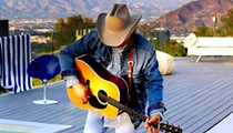 Dwight Yoakam to Play Floore's This Saturday