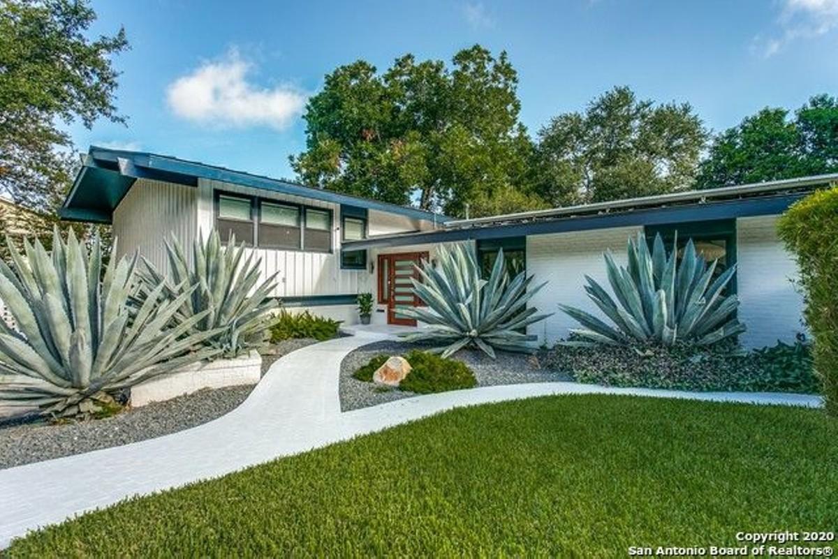 This Mid Century Home On The Market In San Antonio Is A Space Age Bachelor Pad San Antonio Slideshows San Antonio Current