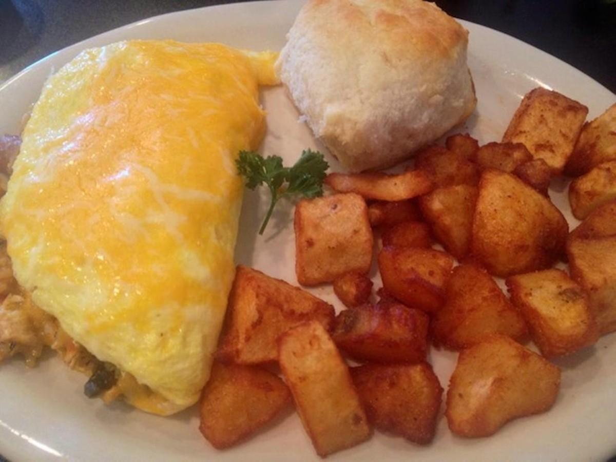 10 All-Day Breakfast Spots for Breakfast Lovers Sleeping ...