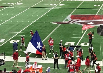 San Antonio Commanders Pick Up First Victory —One of What AAF's Founders Hope Will Be Many