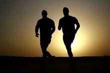 e25a3be2_runners.jpg
