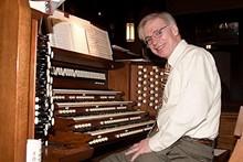8c3a1675_dr._tom_lee_organist.jpg