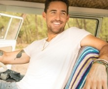 jake_owen_website_photo_1_210_173_s_c1.jpg