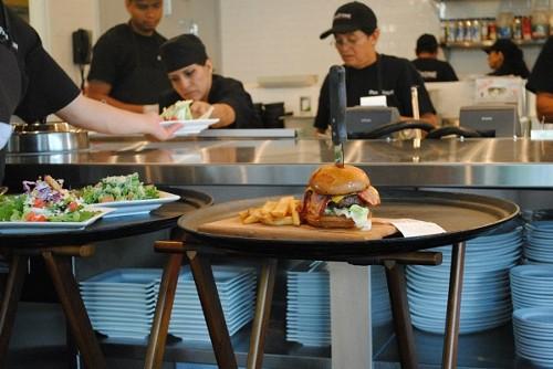 A bodacious ParkStone burger