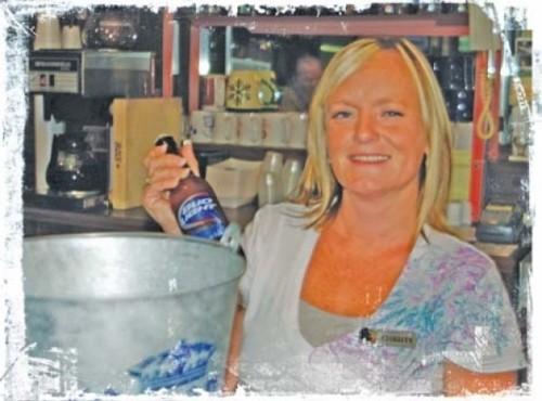 Christy at the Bonwood Bowl Lounge - RACHEL SCOTT