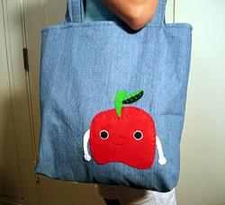 apple_food_friend_tote.jpg