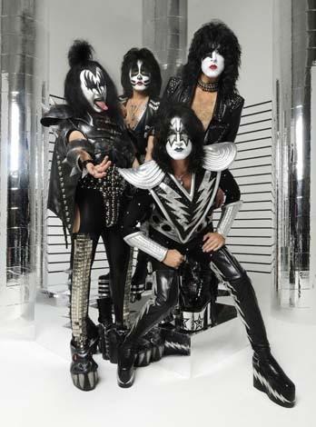 musiclive_kiss_100916.jpg