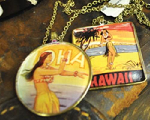 hawaiinecklace_1.jpg