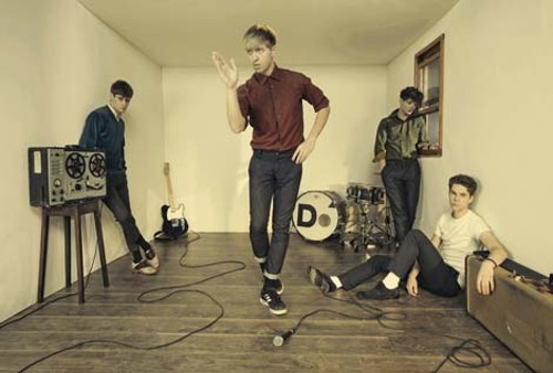 musiclive_thedrums_101007.jpg