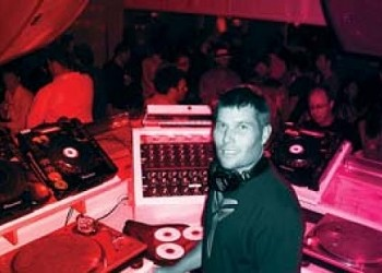 Music Picks Feb. 14-20 | Live: SLAMMys Party, Cavedoll, DJ Dealer, Stockholm Syndrome, De/Vision, Dub Trio