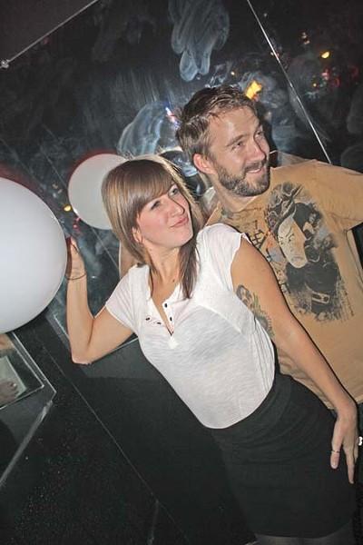 club_matters_091001_2.jpg