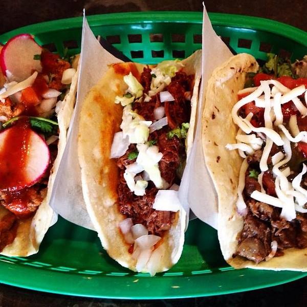 taco_taco_plate.jpg