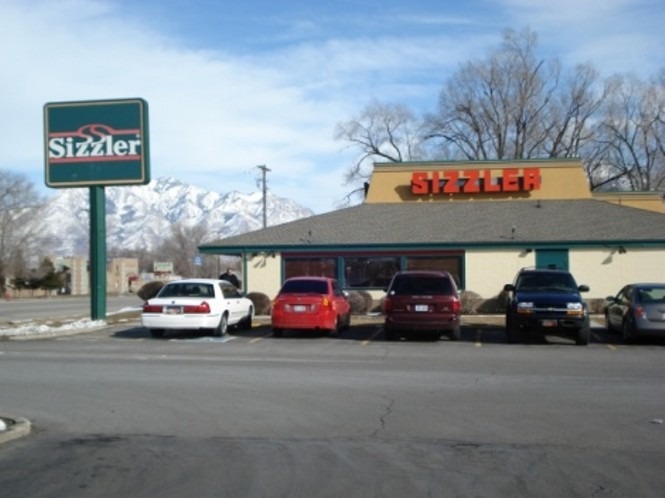 From U.S.D.A. Choice steaks cut fresh in-house every day, to seafood, fresh salads and soups – all prepared fresh in real kitchens – Sizzler® is the place for great food and value.