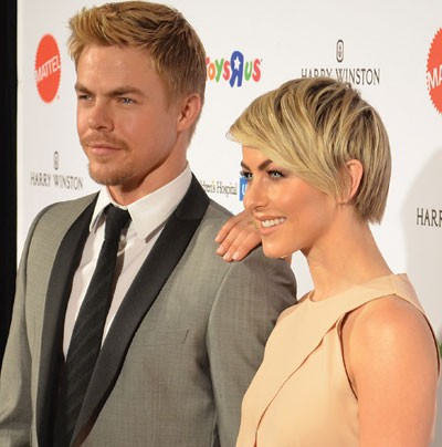 derek_hough_julianne_hough.jpg