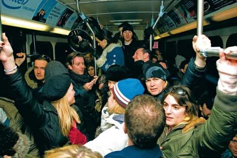 packed_bus_jamo.jpg