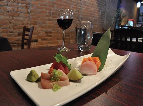 Yellowtail's 9-piece sashimi dish