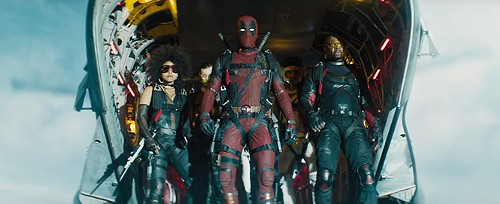 Deadpool (Ryan Reynolds, center) and X-Force in Deadpool 2 - 20TH CENTURY FOX STUDIOS