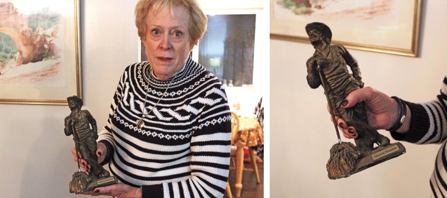 Anderson, a former PTA president at Granite, shows off her Bronze Farmer service award. - ENRIQUE LIMÓN