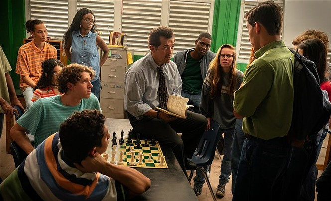 John Leguizamo (center) in Critical Thinking - CINEMA VERITAS