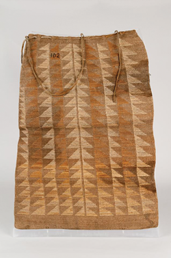 Hemp and cornhusk flat storage bag, from  the Spalding-Allen Collection