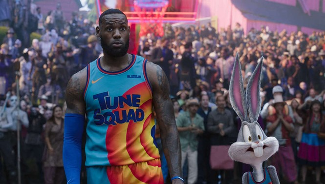 LeBron James and Bugs Bunny in Space Jam: A New Legacy - WARNER BROS. PICTURES