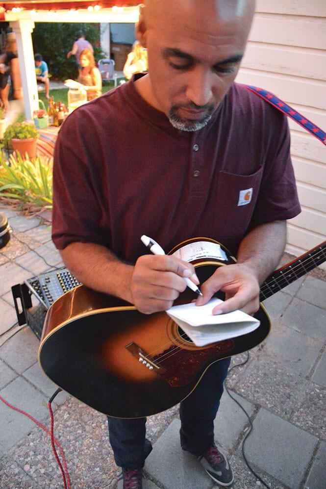 music_shotsdark1-12-8b93dd0af87f45a5.jpg
