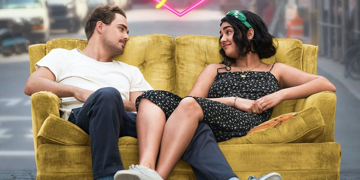 Dacre Montgomery and Geraldine Viswanathan in The Broken Hearts Gallery - SONY PICTURES