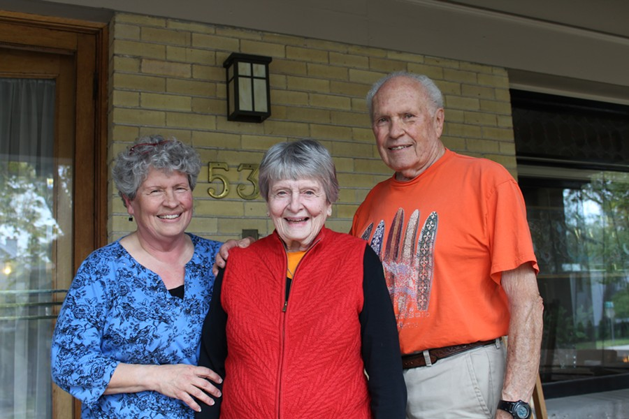 Robyn, Jean and Dick Raybould - COLBY FRAZIER