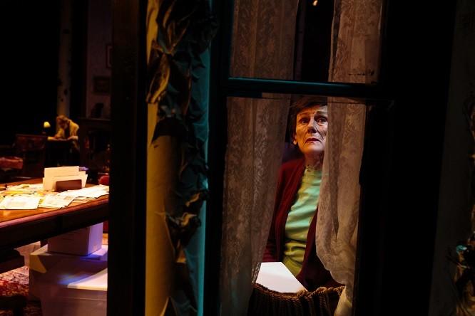 Anne Cullimore Decker in Winter - DAV.D PHOTOGRAPHY
