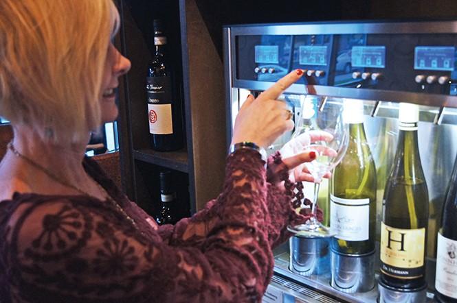 dining_drink1-1-7fdd76ef74a430bd.jpg