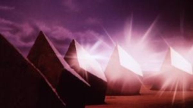 At one point in Phase IV, ants build giant, sloped reflective pylons to reflect sunlight onto, and thereby overheat, the protagonists' lab. I'm telling you: Give ants a wide berth. They will mess with you if you cross them. - PARAMOUNT PICTURES