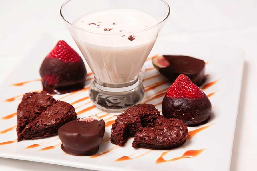 Attache-moi dessert plate - COURTESY OF ATAME