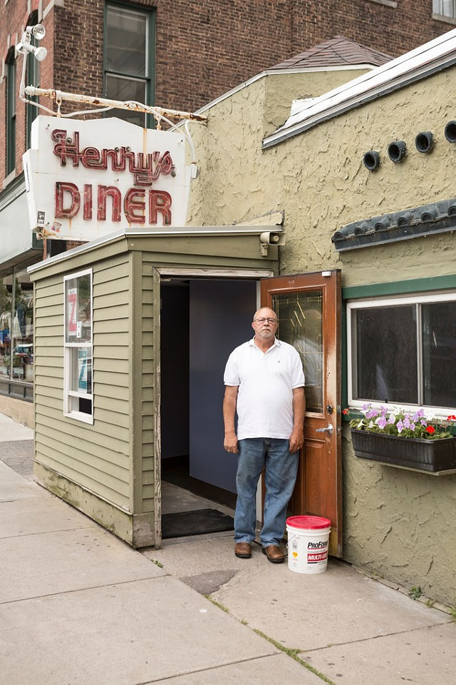 Bill Maglaris outside Henry's Diner - OLIVER PARINI