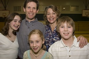 MATTHEW THORSEN - Brian and Laura Murphy with their Children Clare, Charlotte and Lee
