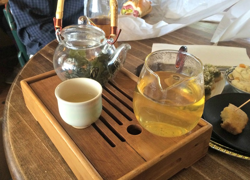 Cherry leaf tea - ALICE LEVITT