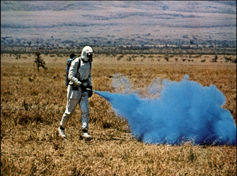 Even the blue stuff doesn't work against the ants of Phase IV. - PARAMOUNT PICTURES