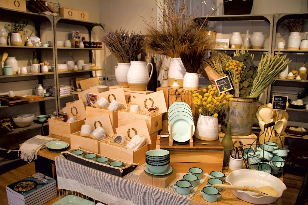 Farmhouse Pottery Makes Its Way By Hand Culture Seven Days