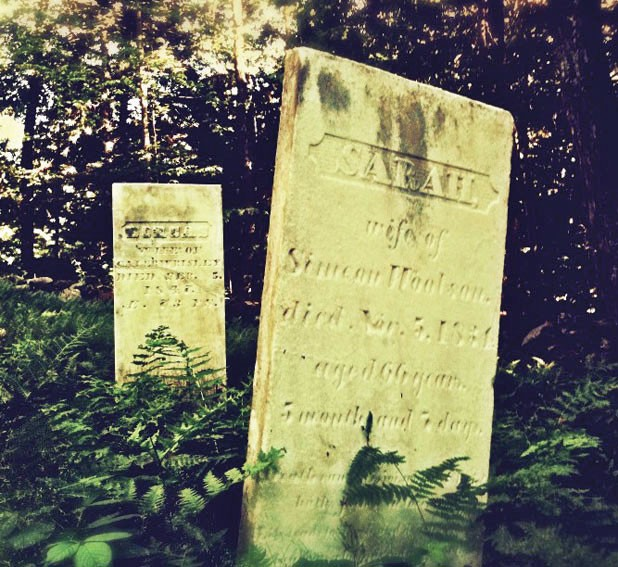 618-gy-gravestones_loomis-hill-cemetery-in-waterbury-_baer.jpg