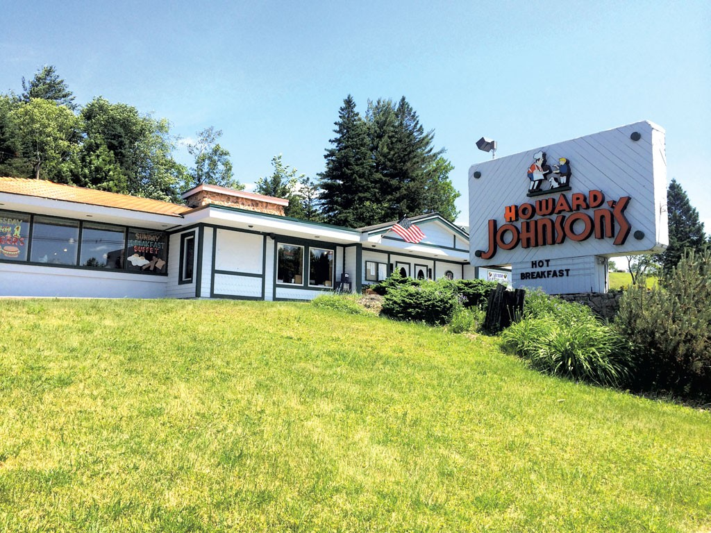 Howard Johnson's, Lake Placid - ALICE LEVITT