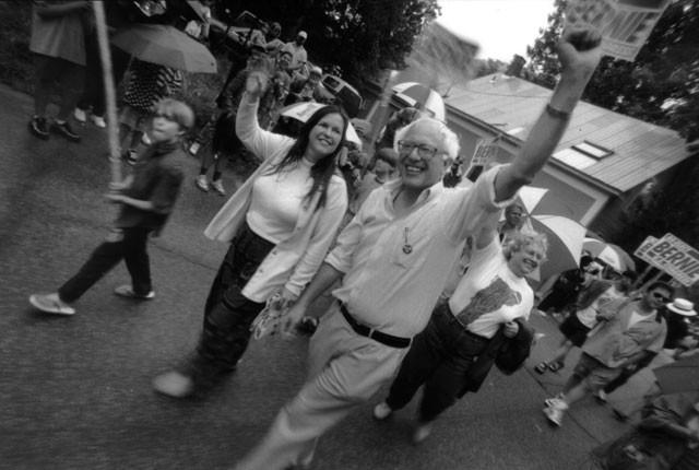 Jane and Bernie Sanders campaigning in 2005 - MATTHEW THORSEN