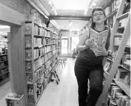 Kerrie Mathes at Crow Bookshop - MATTHEW THORSEN