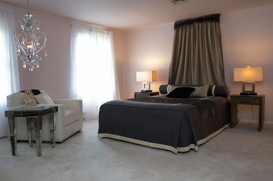 618-nealy-bedroom.jpg