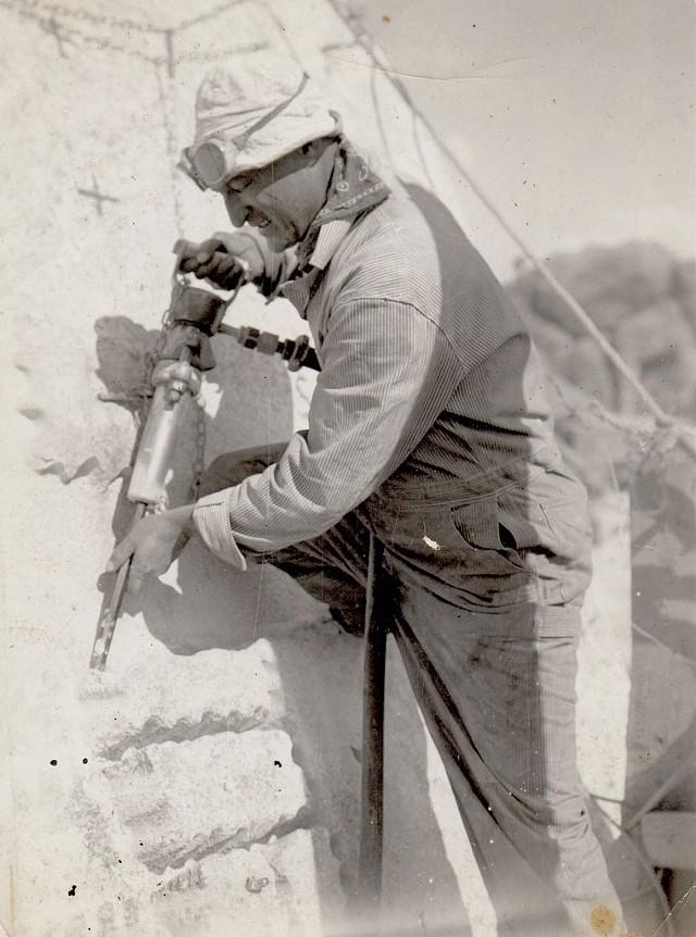Luigi Del Bianco carving George Washington's likeness on Mount Rushmore - COURTESY OF LOU DEL BIANCO