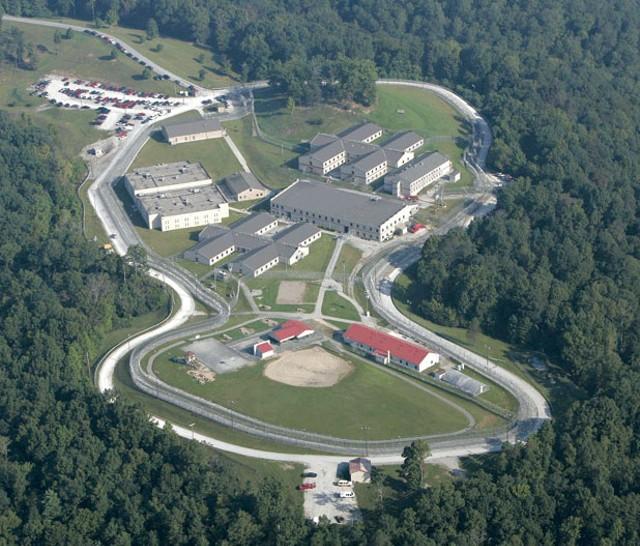 lm-cb-prison110613.jpg