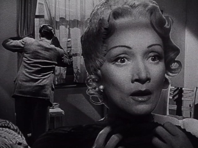 Richard Todd and Marlene Dietrich in the famous matte shot from Stage Fright - WARNER BROS. PICTURES