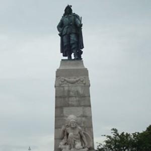 Samuel de Champlain with crouching indian
