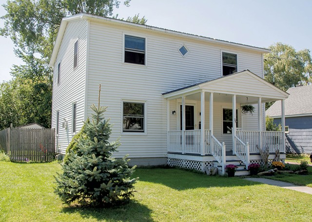 South End, 25 Lyman Avenue, 3 Bedroom, 2 Bath, $334,250 - COURTESY OF RE/MAX NORTH PROFESSIONALS