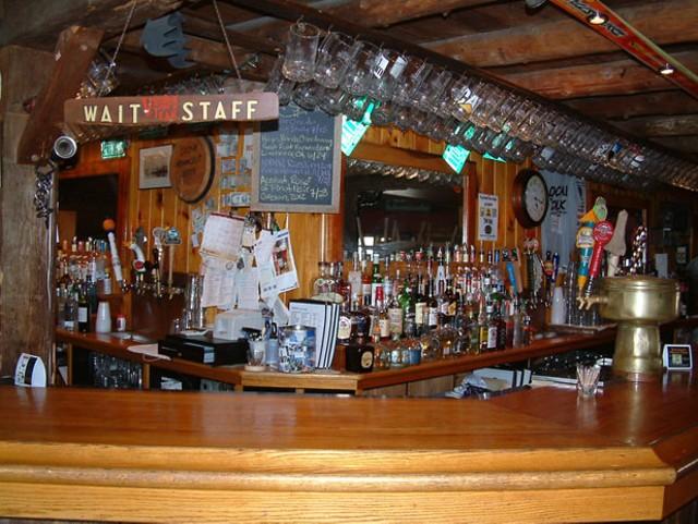 The bar at Localfolk Smokehouse