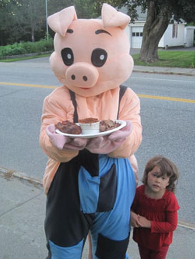 The Vittles Stop BBQ pig