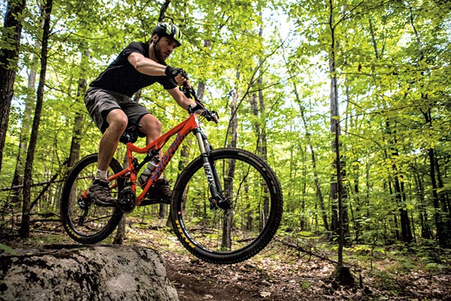 Mountain biking in Wilmington - ROOST/ADIRONDACKSUSA.COM